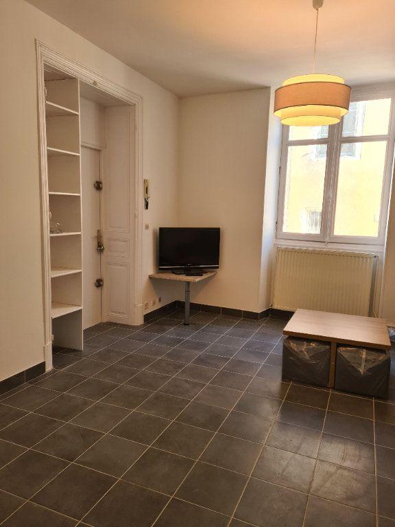 Appartement à louer 1 35m2 à La Charité-sur-Loire vignette-1
