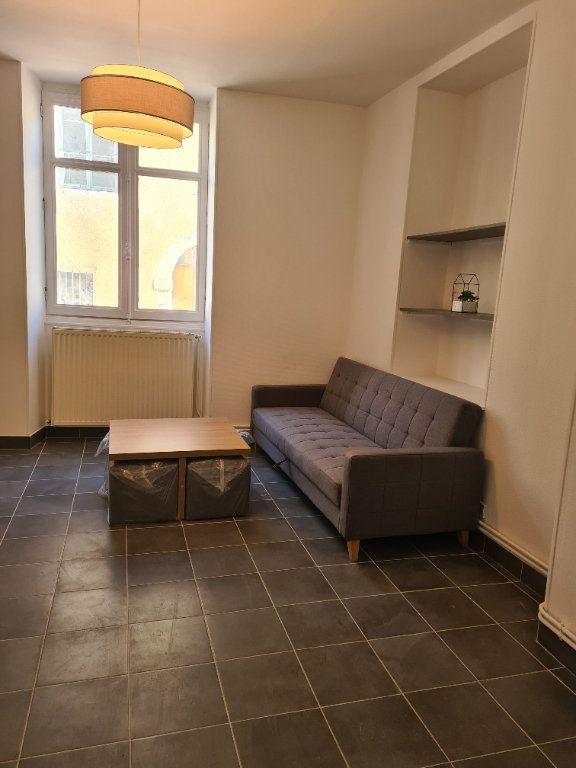Appartement à louer 1 35m2 à La Charité-sur-Loire vignette-2