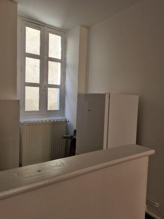 Appartement à louer 1 35m2 à La Charité-sur-Loire vignette-5