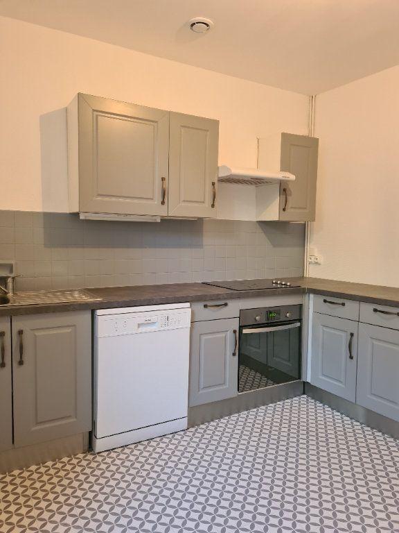 Appartement à louer 3 55m2 à La Charité-sur-Loire vignette-1
