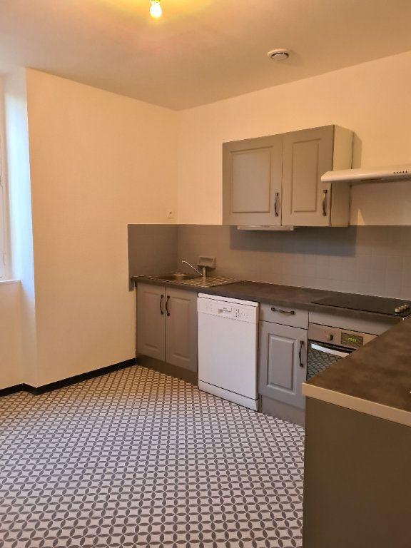 Appartement à louer 3 55m2 à La Charité-sur-Loire vignette-2