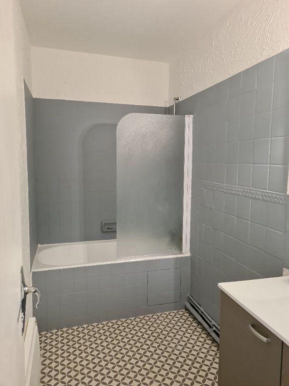 Appartement à louer 3 55m2 à La Charité-sur-Loire vignette-6