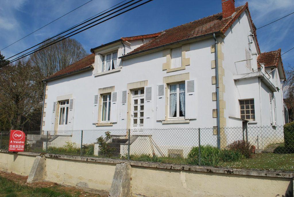 Maison à vendre 6 160m2 à Saint-Père vignette-1