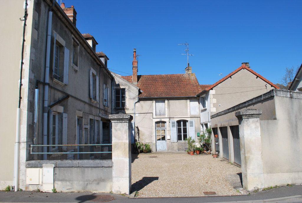 Immeuble à vendre 0 420m2 à Cosne-Cours-sur-Loire vignette-2