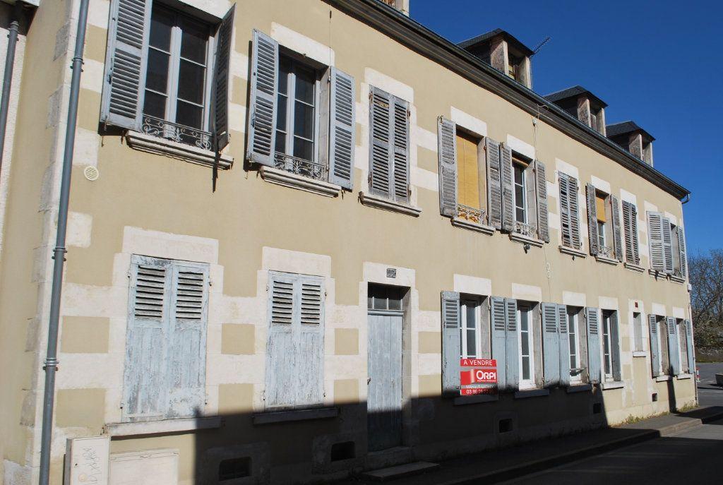 Immeuble à vendre 0 420m2 à Cosne-Cours-sur-Loire vignette-3