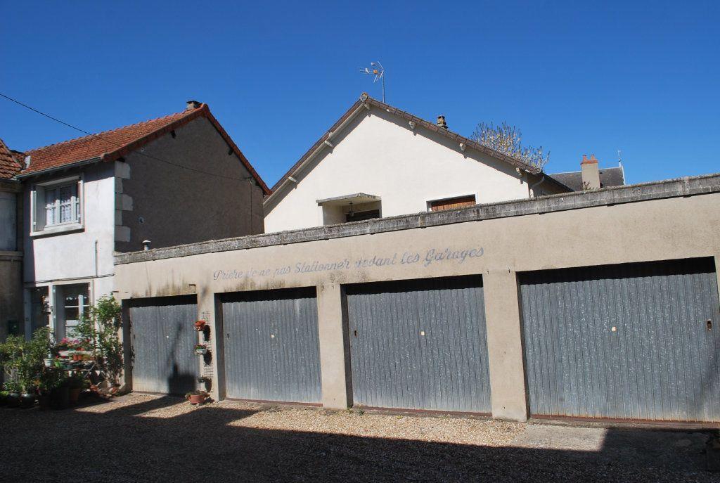 Immeuble à vendre 0 420m2 à Cosne-Cours-sur-Loire vignette-5