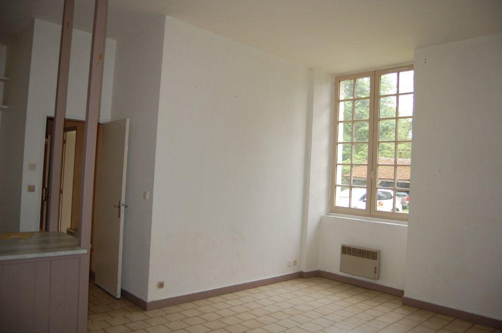 Appartement à louer 2 40.65m2 à Saint-Céols vignette-4