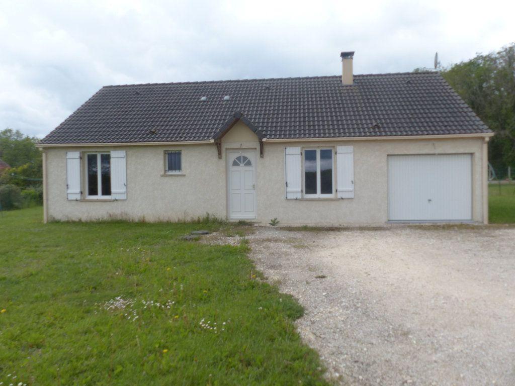 Maison à louer 4 94.8m2 à Savigny-en-Sancerre vignette-1