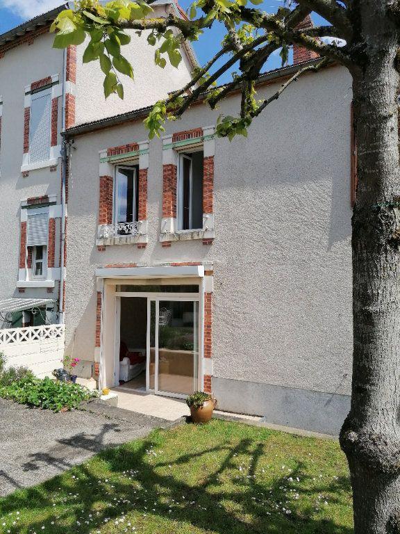 Maison à vendre 6 117m2 à Cosne-Cours-sur-Loire vignette-1