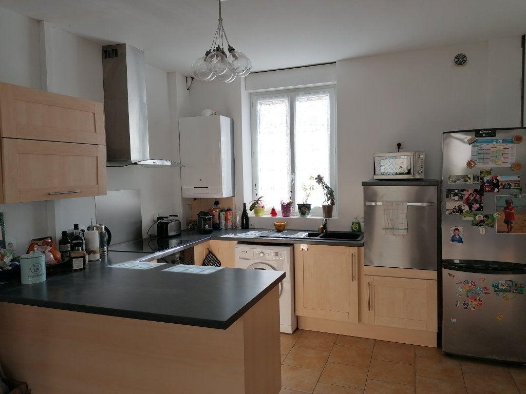Maison à vendre 6 117m2 à Cosne-Cours-sur-Loire vignette-4
