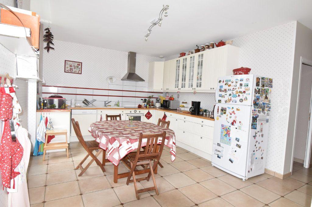 Maison à vendre 7 170m2 à Cosne-Cours-sur-Loire vignette-4