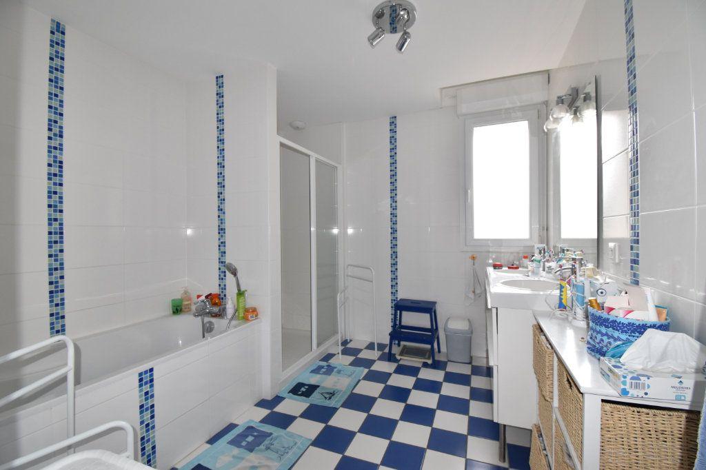 Maison à vendre 7 170m2 à Cosne-Cours-sur-Loire vignette-8