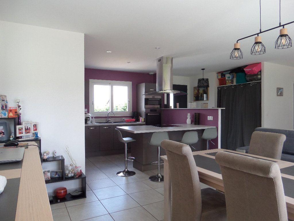 Maison à vendre 4 109.24m2 à Varennes-lès-Narcy vignette-3