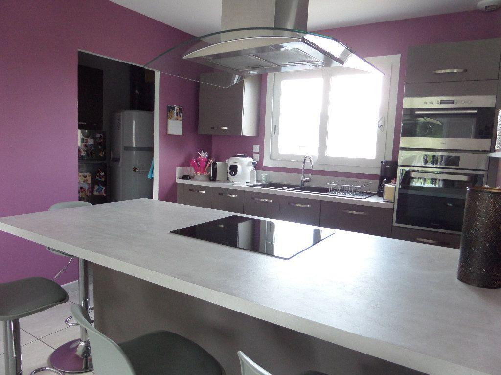 Maison à vendre 4 109.24m2 à Varennes-lès-Narcy vignette-4