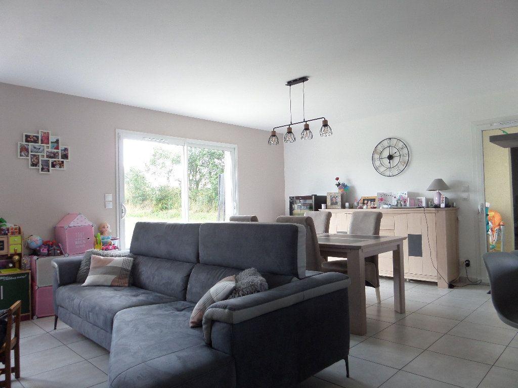 Maison à vendre 4 109.24m2 à Varennes-lès-Narcy vignette-5