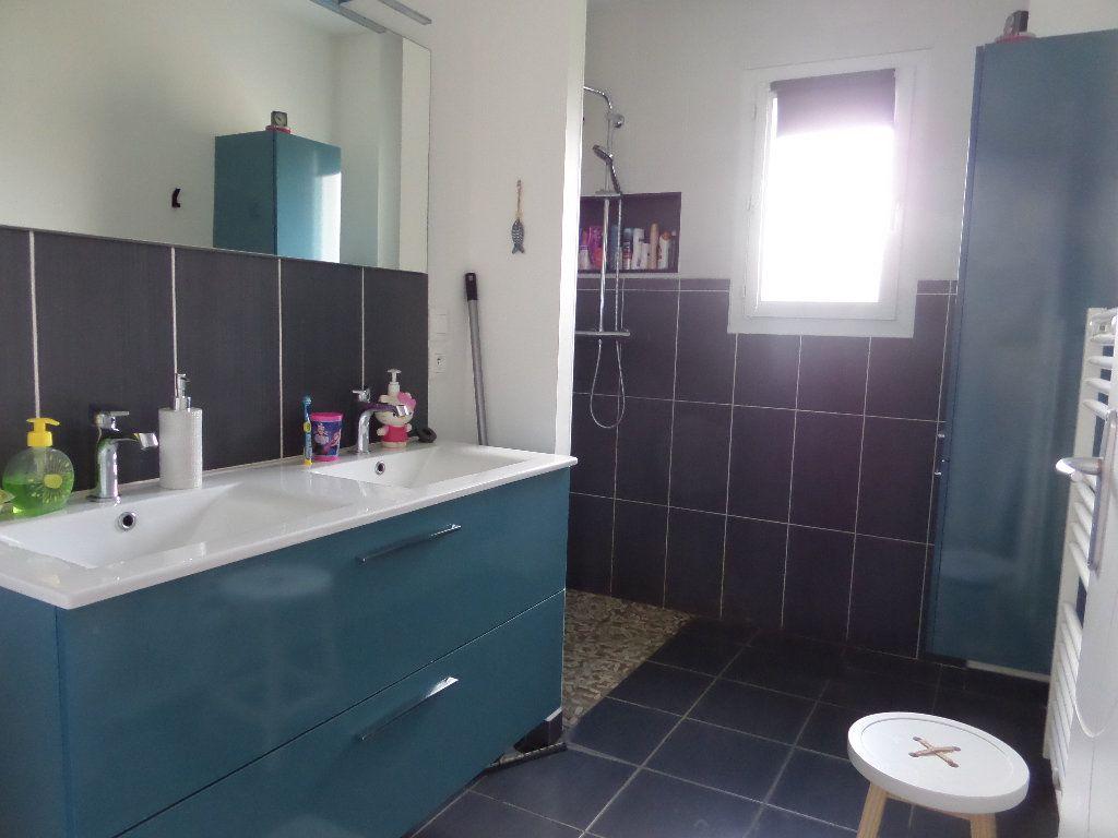 Maison à vendre 4 109.24m2 à Varennes-lès-Narcy vignette-9