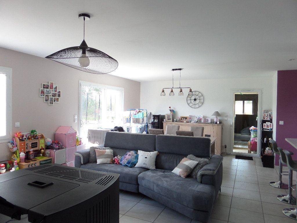 Maison à vendre 4 109.24m2 à Varennes-lès-Narcy vignette-10