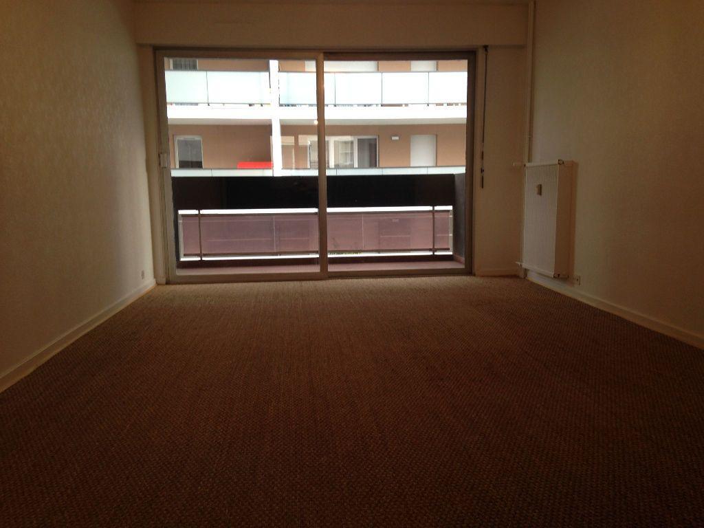 Appartement à louer 3 67.62m2 à Thonon-les-Bains vignette-4