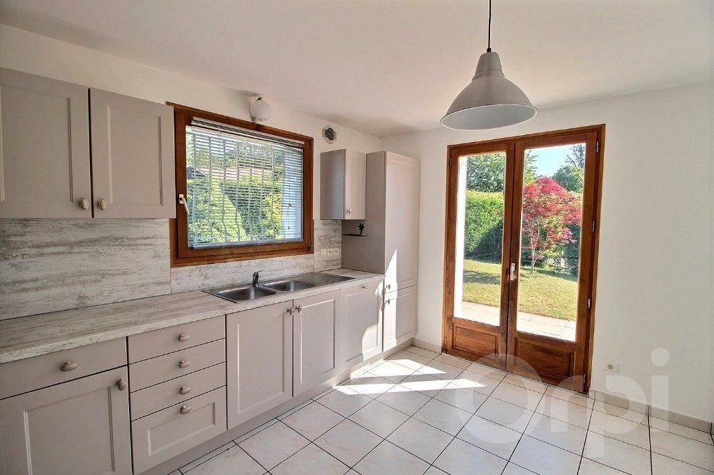Maison à vendre 6 121.5m2 à Nernier vignette-5