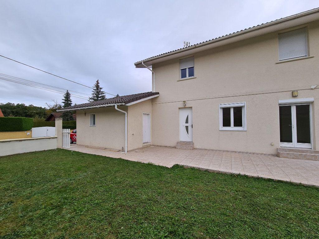 Maison à louer 4 118m2 à Veigy-Foncenex vignette-5