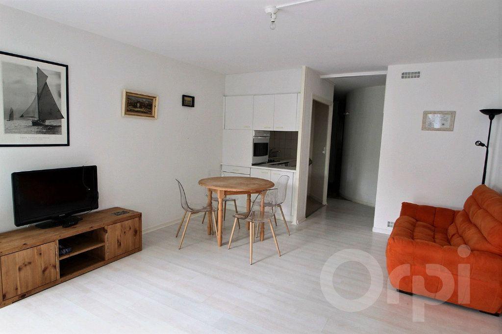 Appartement à louer 4 68.18m2 à Nernier vignette-3