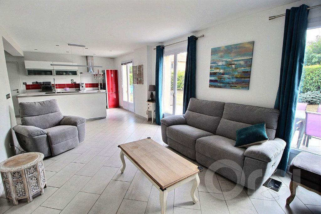 Maison à vendre 7 125m2 à Douvaine vignette-5