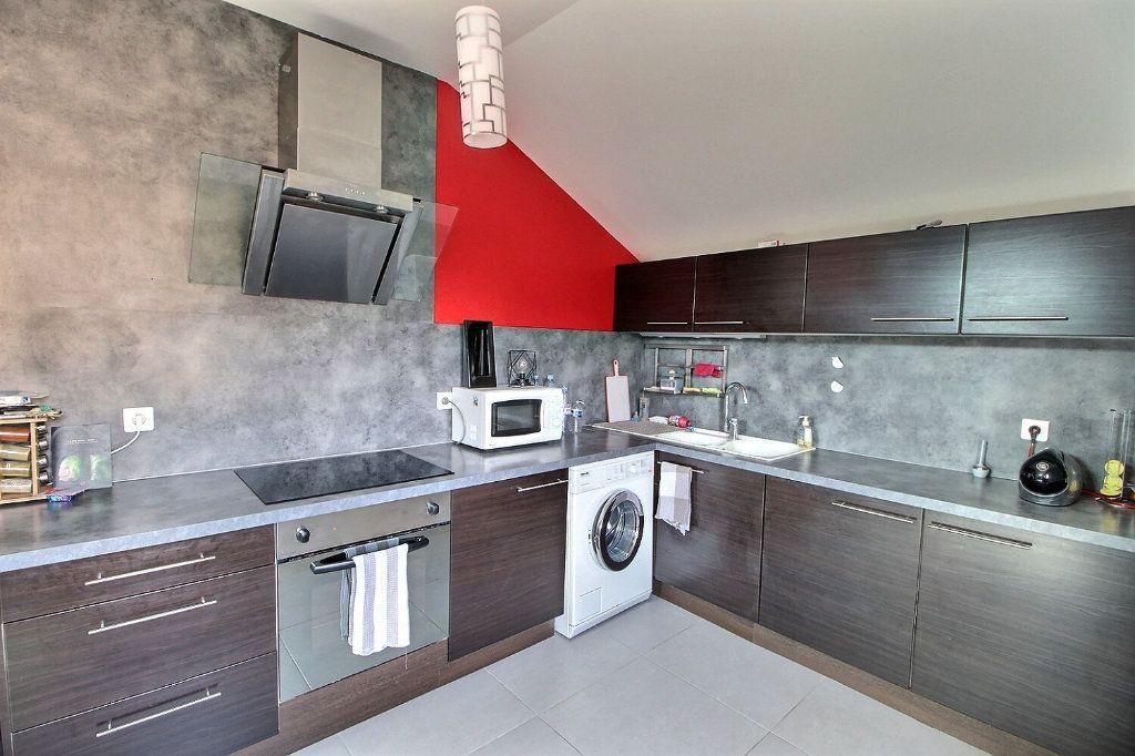 Maison à vendre 6 130.93m2 à Chens-sur-Léman vignette-2