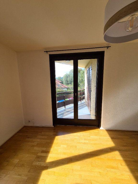 Appartement à louer 2 45.85m2 à Veigy-Foncenex vignette-2