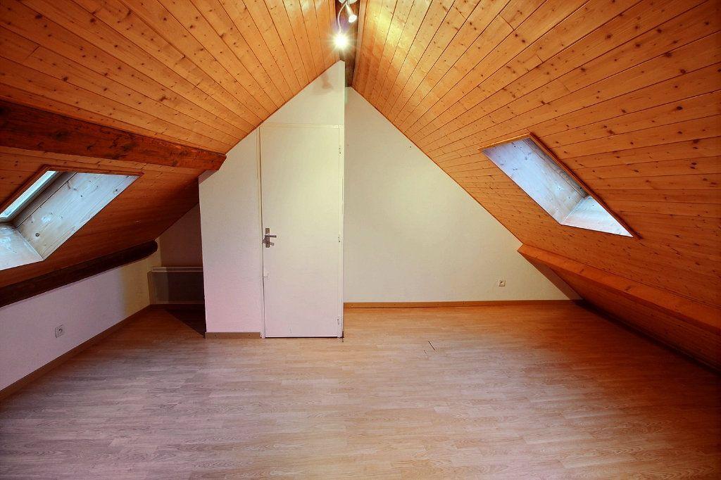 Appartement à louer 4 84.15m2 à Messery vignette-5