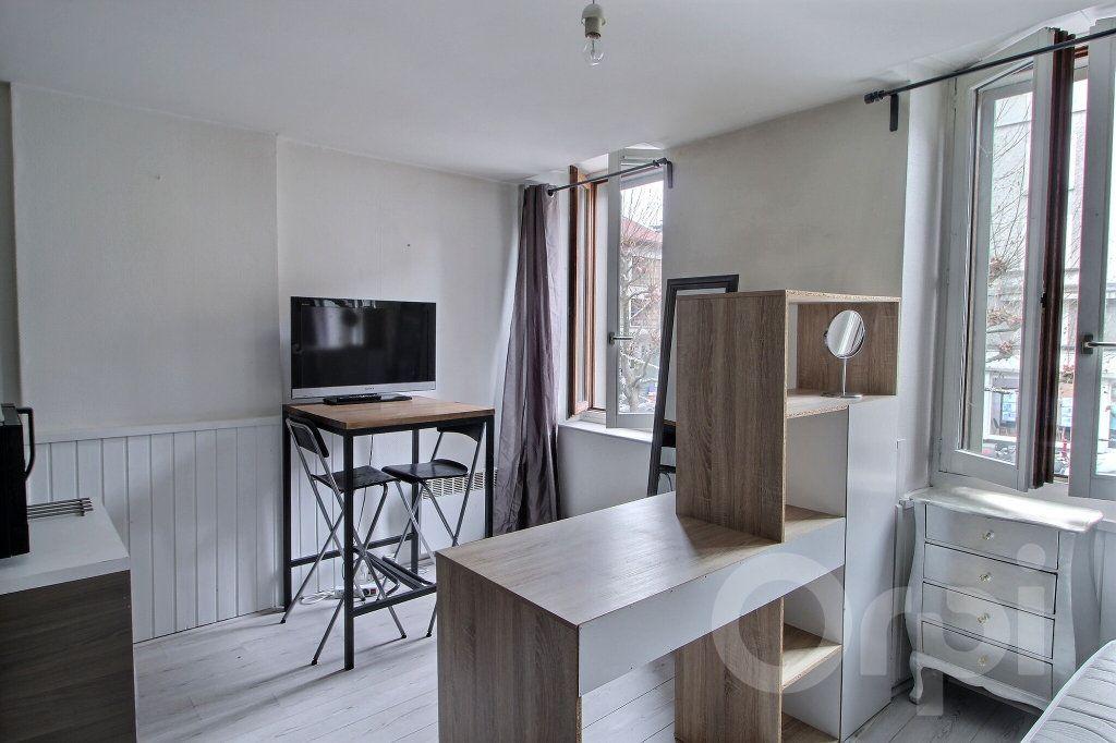 Appartement à louer 1 20.84m2 à Thonon-les-Bains vignette-1