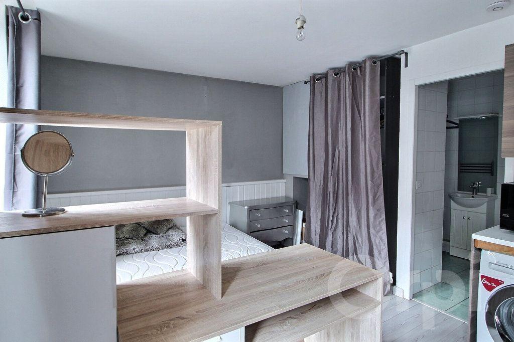 Appartement à louer 1 20.84m2 à Thonon-les-Bains vignette-2