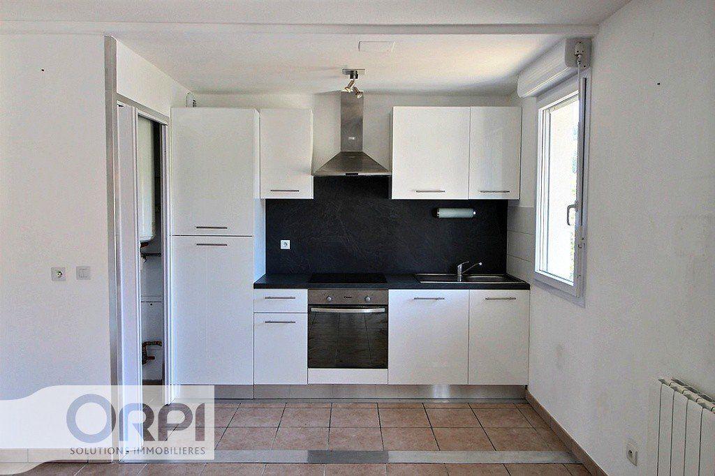 Appartement à louer 2 45.59m2 à Thonon-les-Bains vignette-2