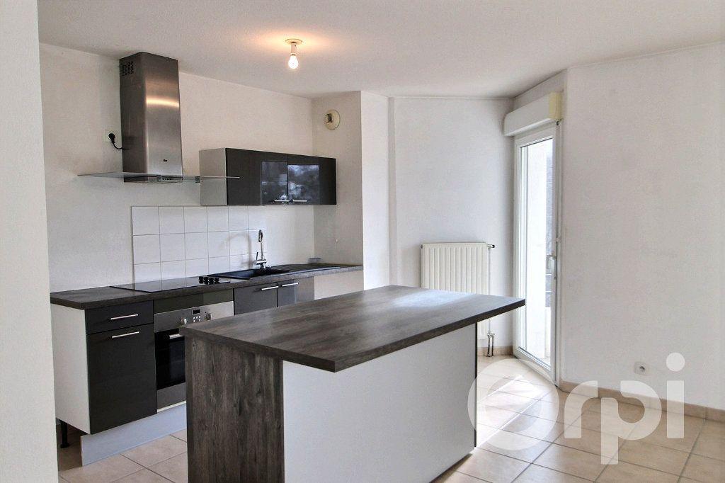 Appartement à louer 0 93.44m2 à Thonon-les-Bains vignette-1