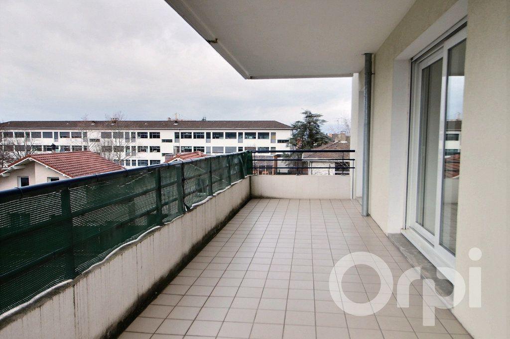 Appartement à louer 0 93.44m2 à Thonon-les-Bains vignette-3