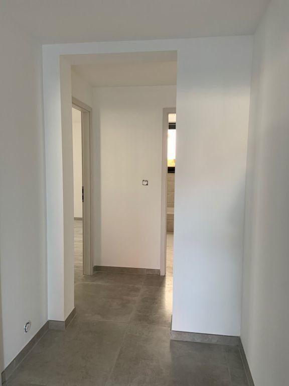 Appartement à louer 5 155.78m2 à Anthy-sur-Léman vignette-3