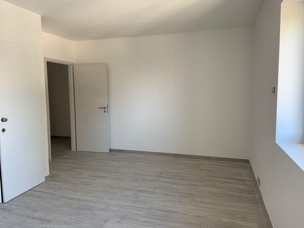 Appartement à louer 5 155.78m2 à Anthy-sur-Léman vignette-4
