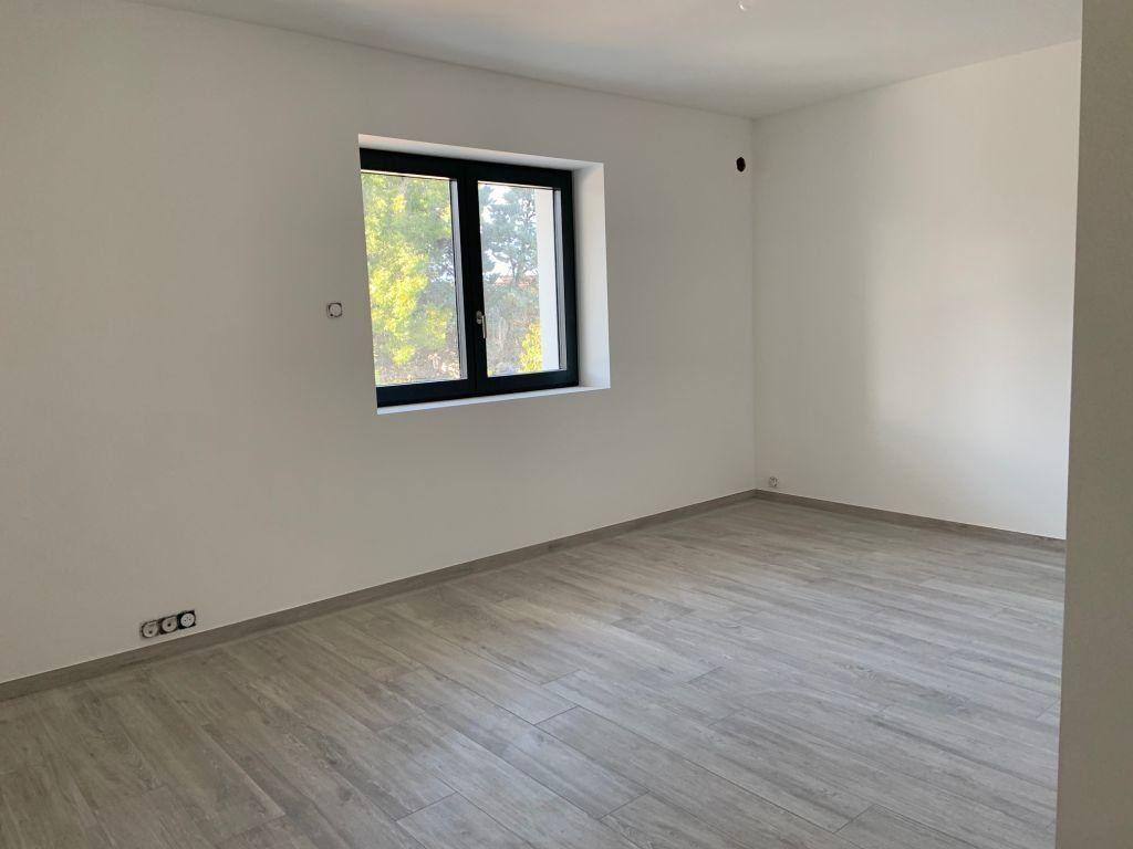 Appartement à louer 5 155.78m2 à Anthy-sur-Léman vignette-5