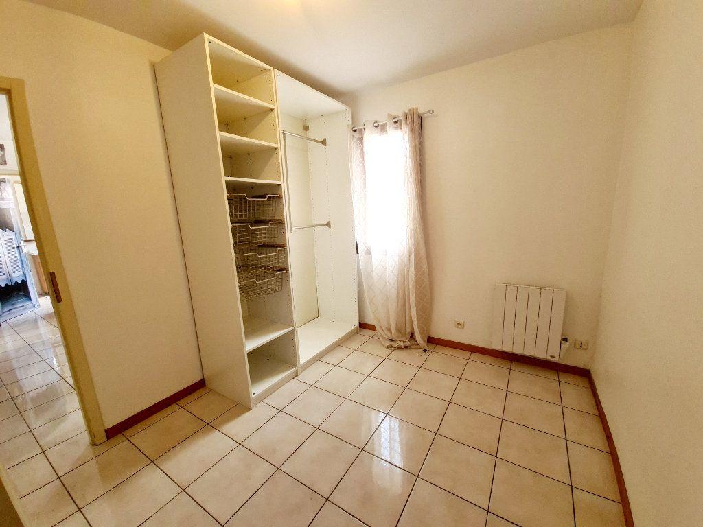 Appartement à louer 2 26.07m2 à Bons-en-Chablais vignette-3