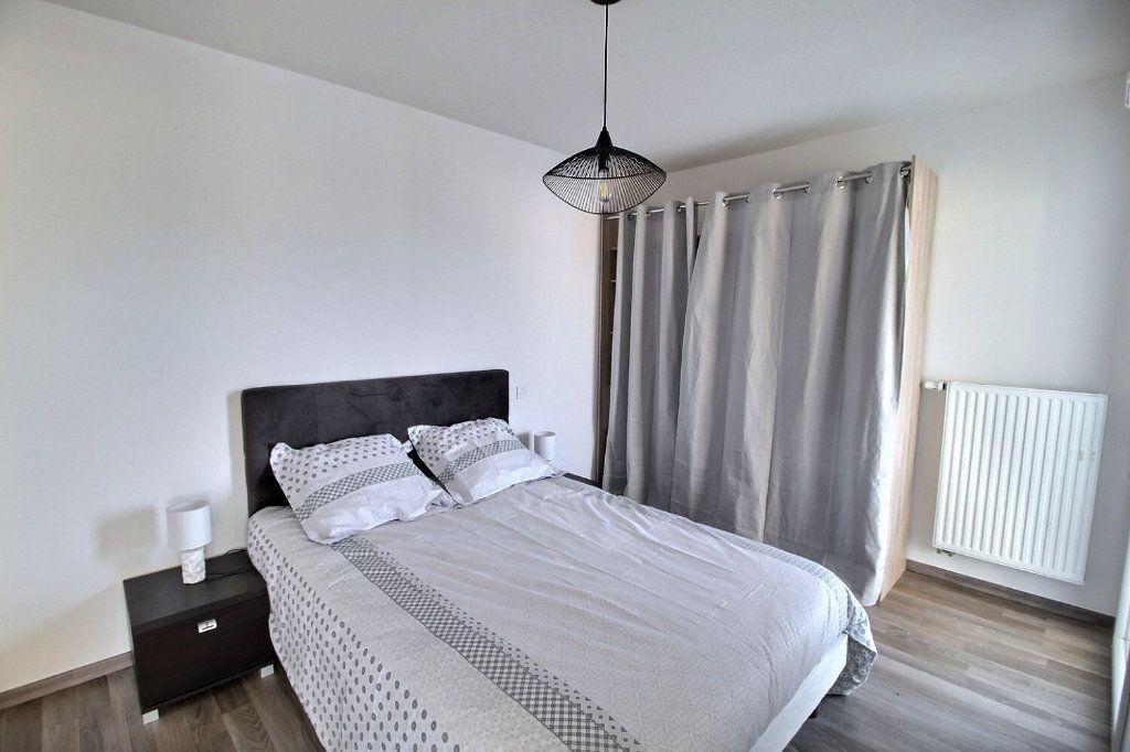 Appartement à louer 2 47.07m2 à Thonon-les-Bains vignette-2