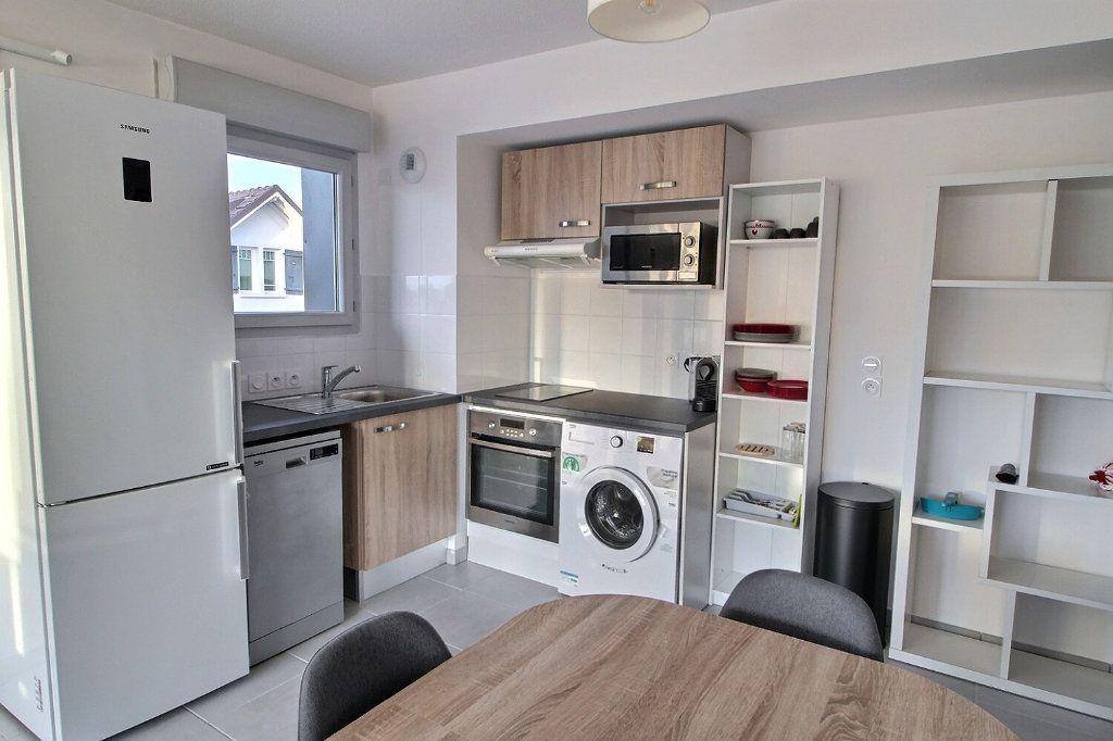 Appartement à louer 2 47.07m2 à Thonon-les-Bains vignette-4