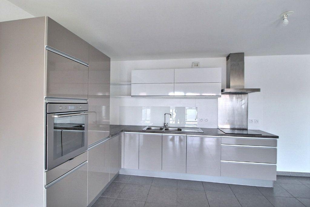 Appartement à vendre 4 91m2 à Chens-sur-Léman vignette-3