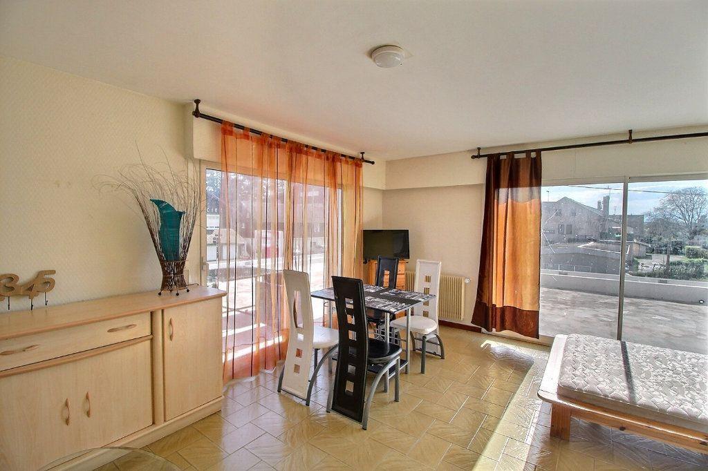 Appartement à vendre 5 115m2 à Sciez vignette-3