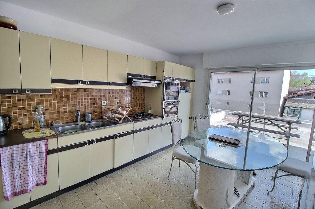 Appartement à vendre 5 115m2 à Sciez vignette-4