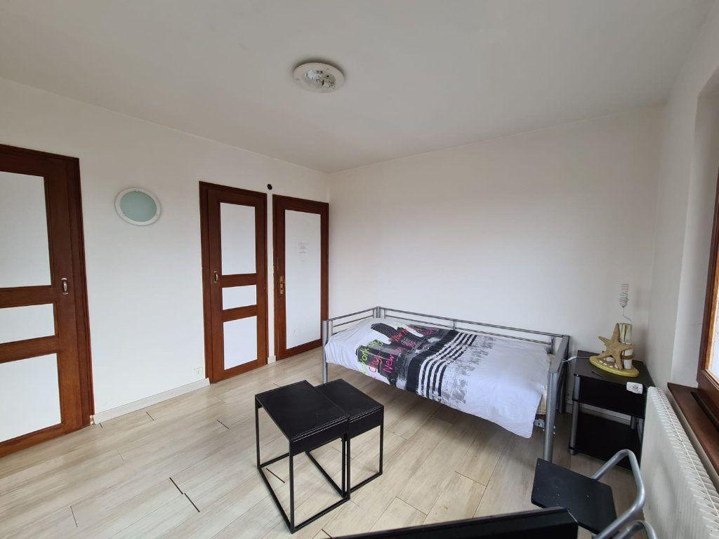 Appartement à vendre 5 115m2 à Sciez vignette-9
