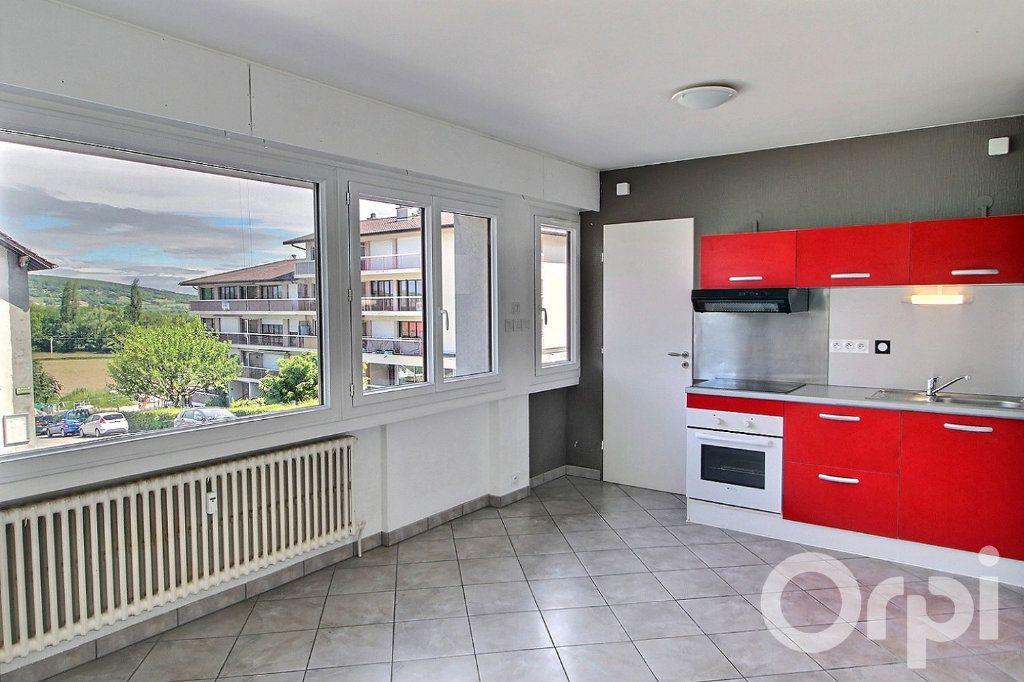 Appartement à vendre 2 32m2 à Bons-en-Chablais vignette-1