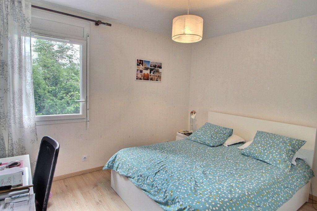 Appartement à vendre 3 65.16m2 à Bons-en-Chablais vignette-6
