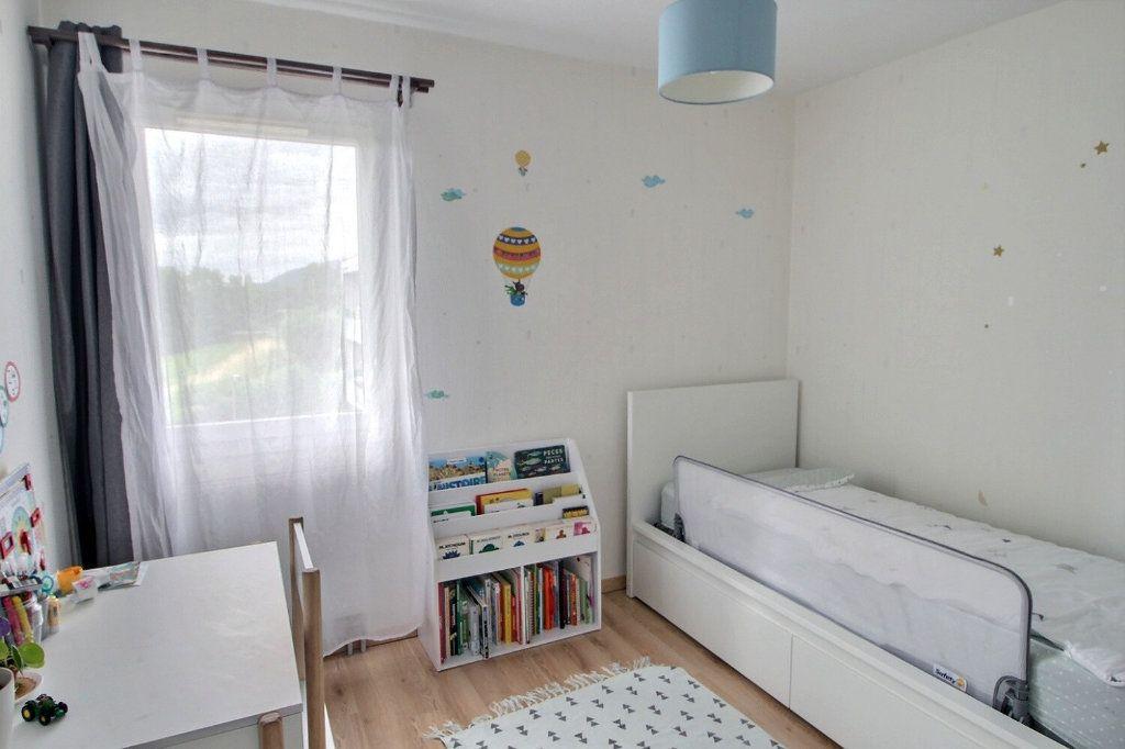 Appartement à vendre 3 65.16m2 à Bons-en-Chablais vignette-7