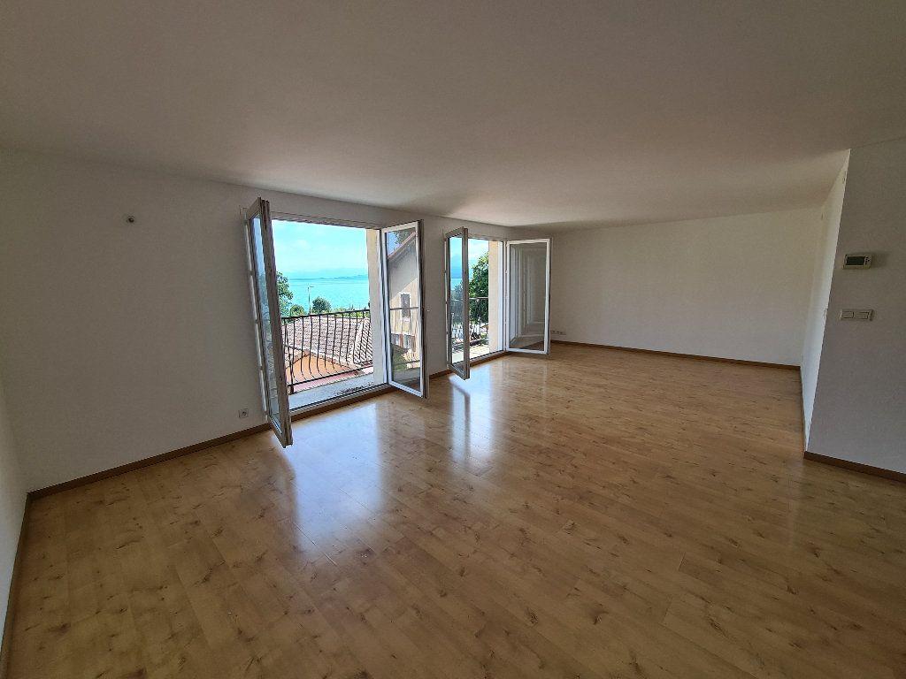 Appartement à louer 4 93.18m2 à Excenevex vignette-4