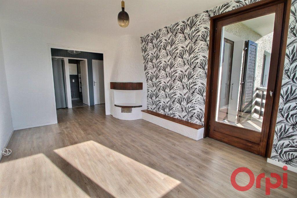Appartement à louer 3 57.1m2 à Chens-sur-Léman vignette-4