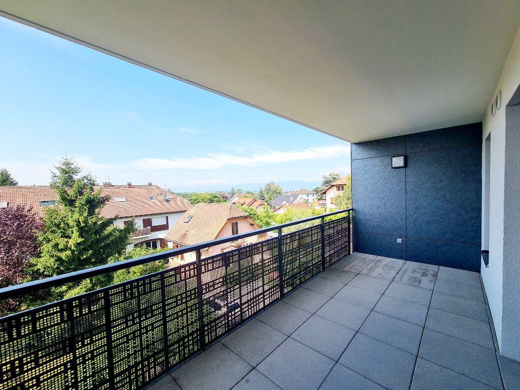Appartement à louer 3 68.59m2 à Thonon-les-Bains vignette-1